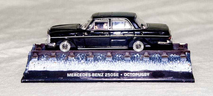 DY023 James Bond Mercedes 250SE 007 Octopussy 1//43